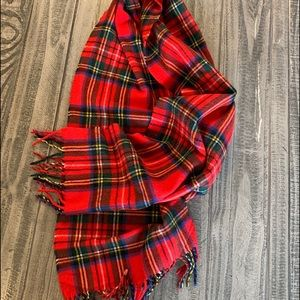 D&Y Softer than Cashmere Red Plaid Fringed Scarf